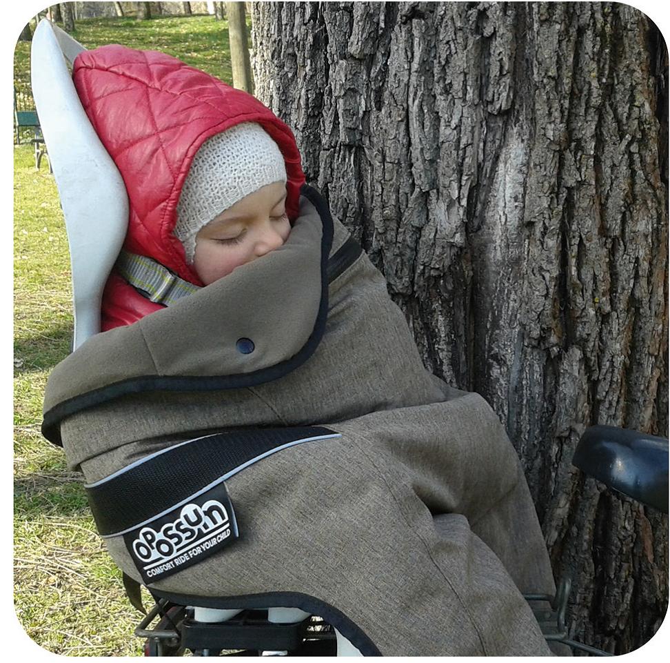 Fietsslaapzakje, warm en droog mee op de fiets, Opossum, warm en droog mee op de fiets. Baby wielerkleding, baby wielrenpakje