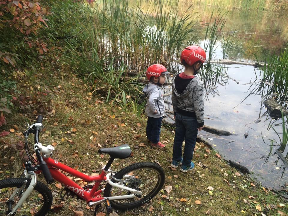 Hoe neem je de maat op van een fietshelm? magasin de vélo pour enfants, kinderfietsenwinkel, Fahrradladen für Kinder, Woombikes bij Stip-kinderfietsen