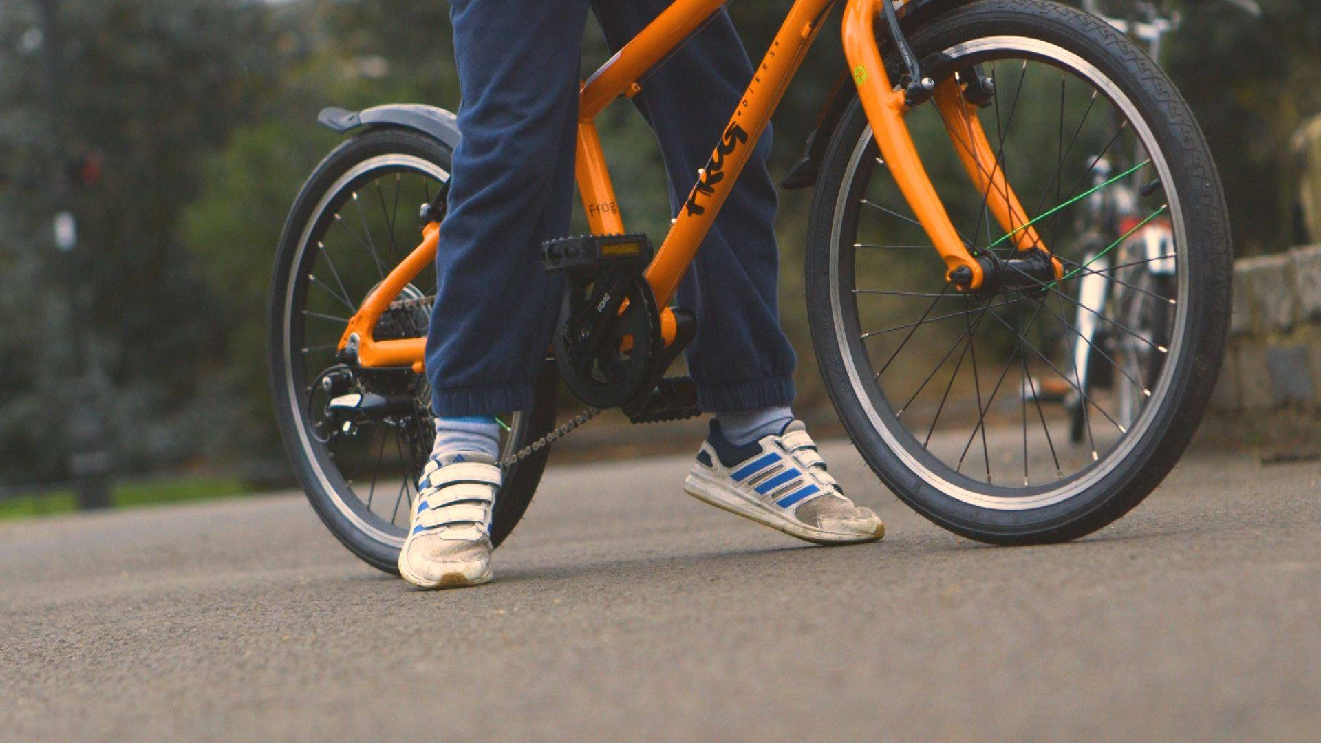 Comment déterminez-vous la hauteur de selle correcte du vélo d'un enfant?