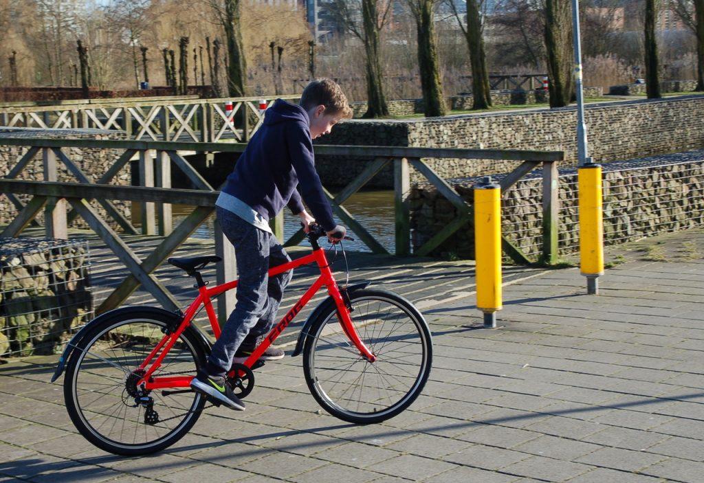 Die neuen Frog Bikes 78 in Neonrot. Frog bike 78 Neon Rot bei Stip-kinderfietsen