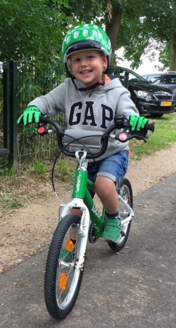 Een beeld zegt meer dan d, Vélo pour enfants léger.frizend woorden